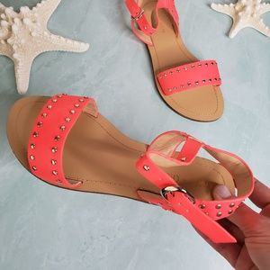 New! Chase & Chloe Coral Studded Sandals